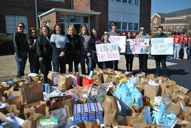 Annual Love Your Neighbor Food Drive Set For Week Of Valentine S