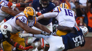 Carl Lawson (55) makes the sack. Auburn vs LSU football game on Saturday, Sept. 22, 2016 in Auburn, Ala.  Dakota Sumpter/Auburn Athletics