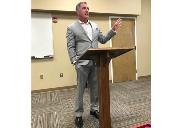 Former Navy SEAL speaks to Trussville Rotary Club