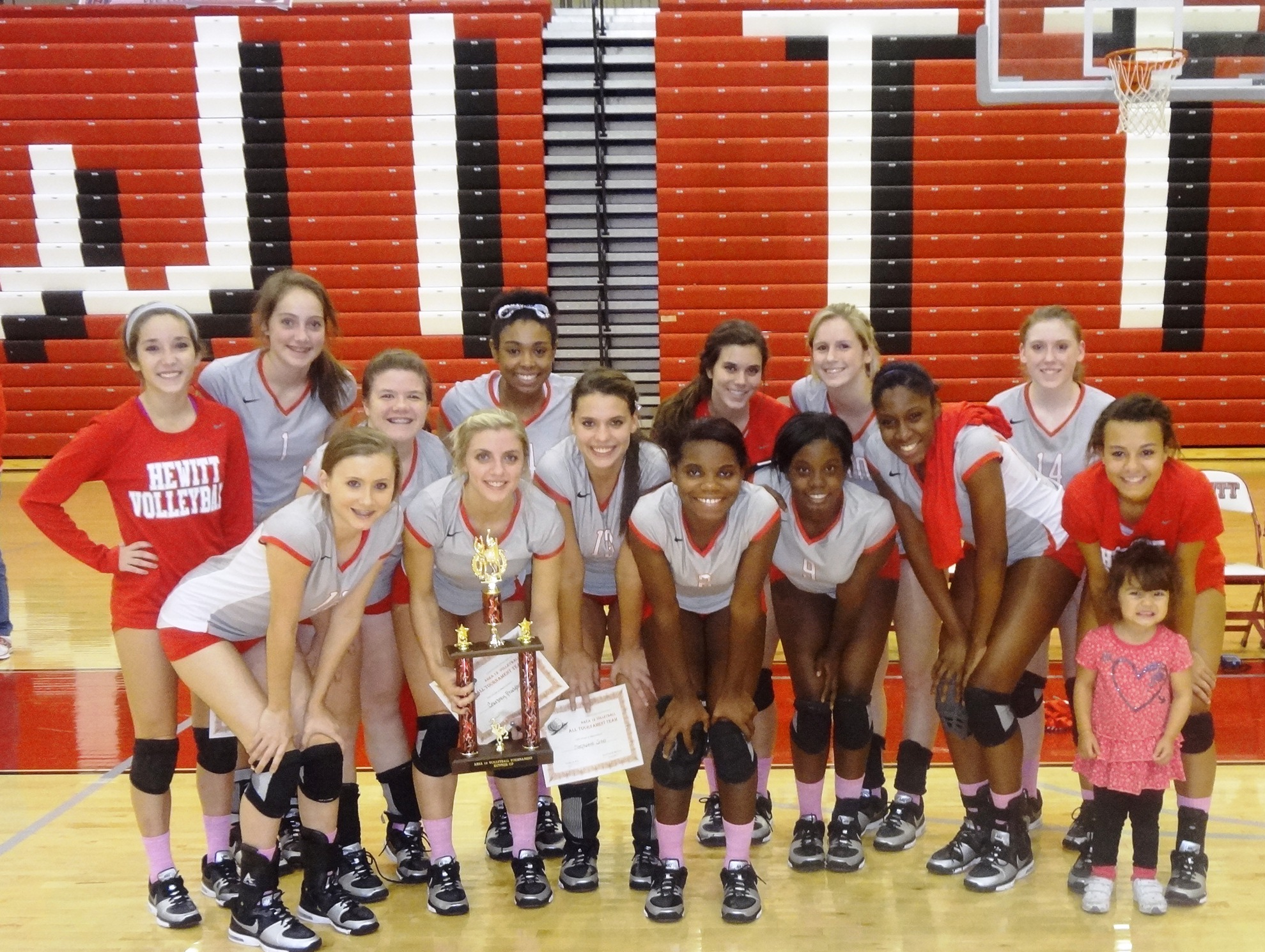 HTHS Volleyball falls in first round of 6A playoffs