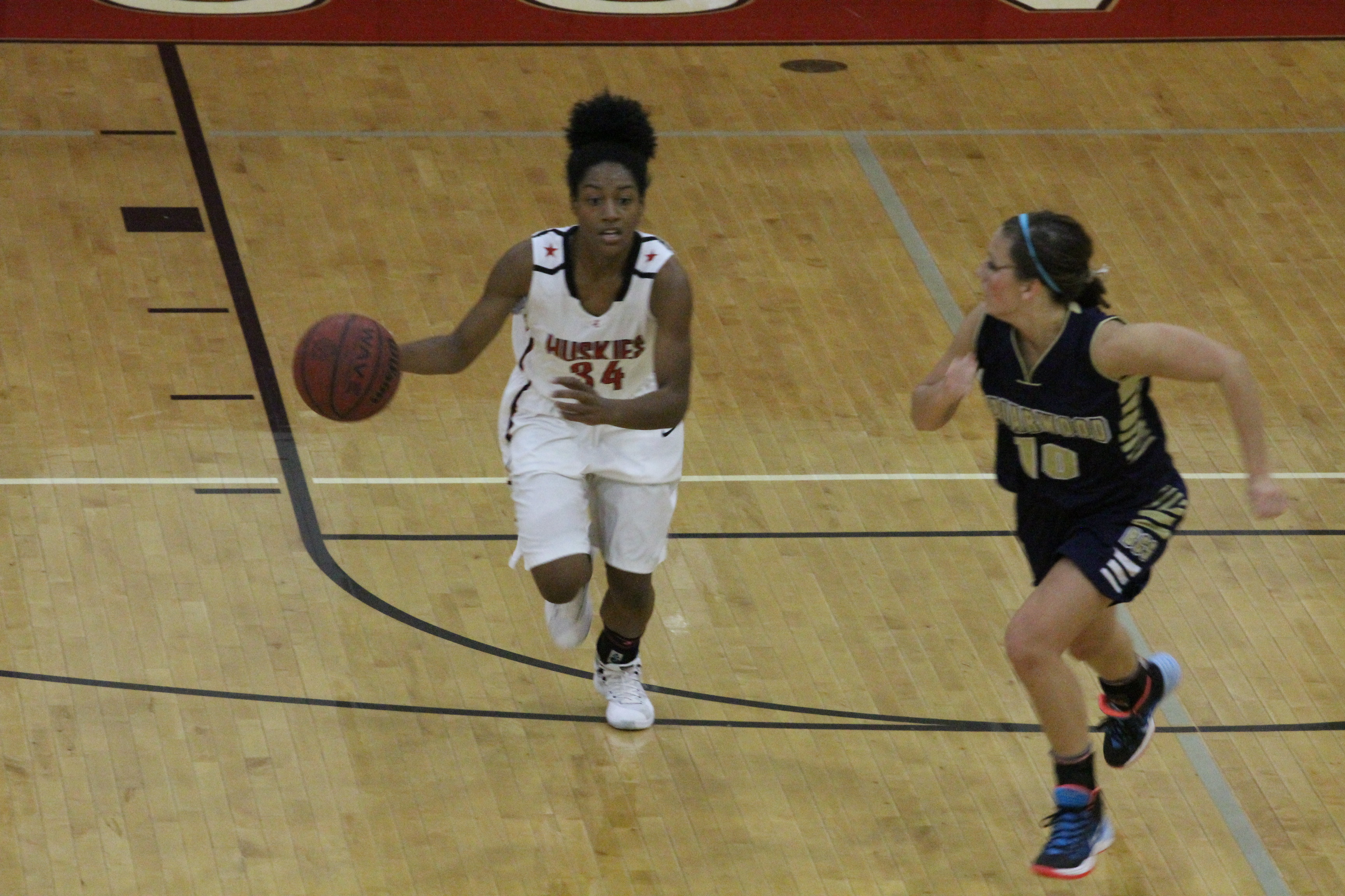 Basketball poll: Hewitt stays at No. 10, Cougars left out
