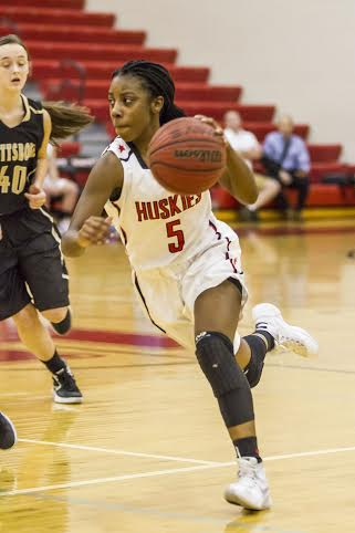 Huskies bounce back with win over Fairfield