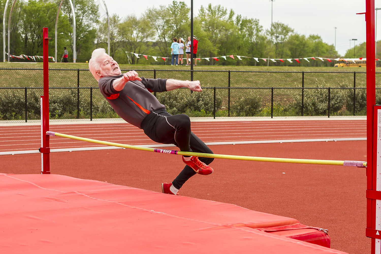 More than 200 seniors storm Trussville to show off athletic abilities