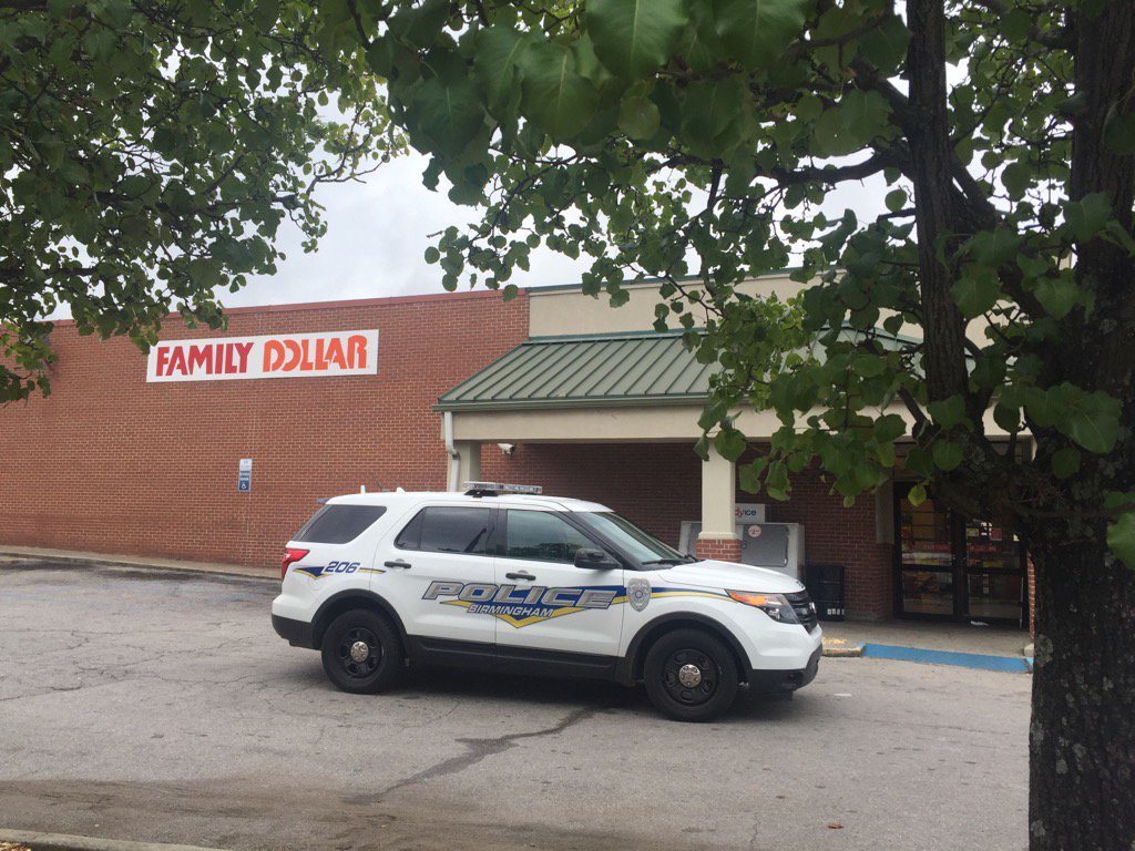 Two Family Dollar stores robbed minutes apart