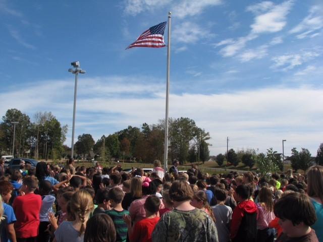 Congressman Gary Palmer presents Magnolia Elementary U.S. flag