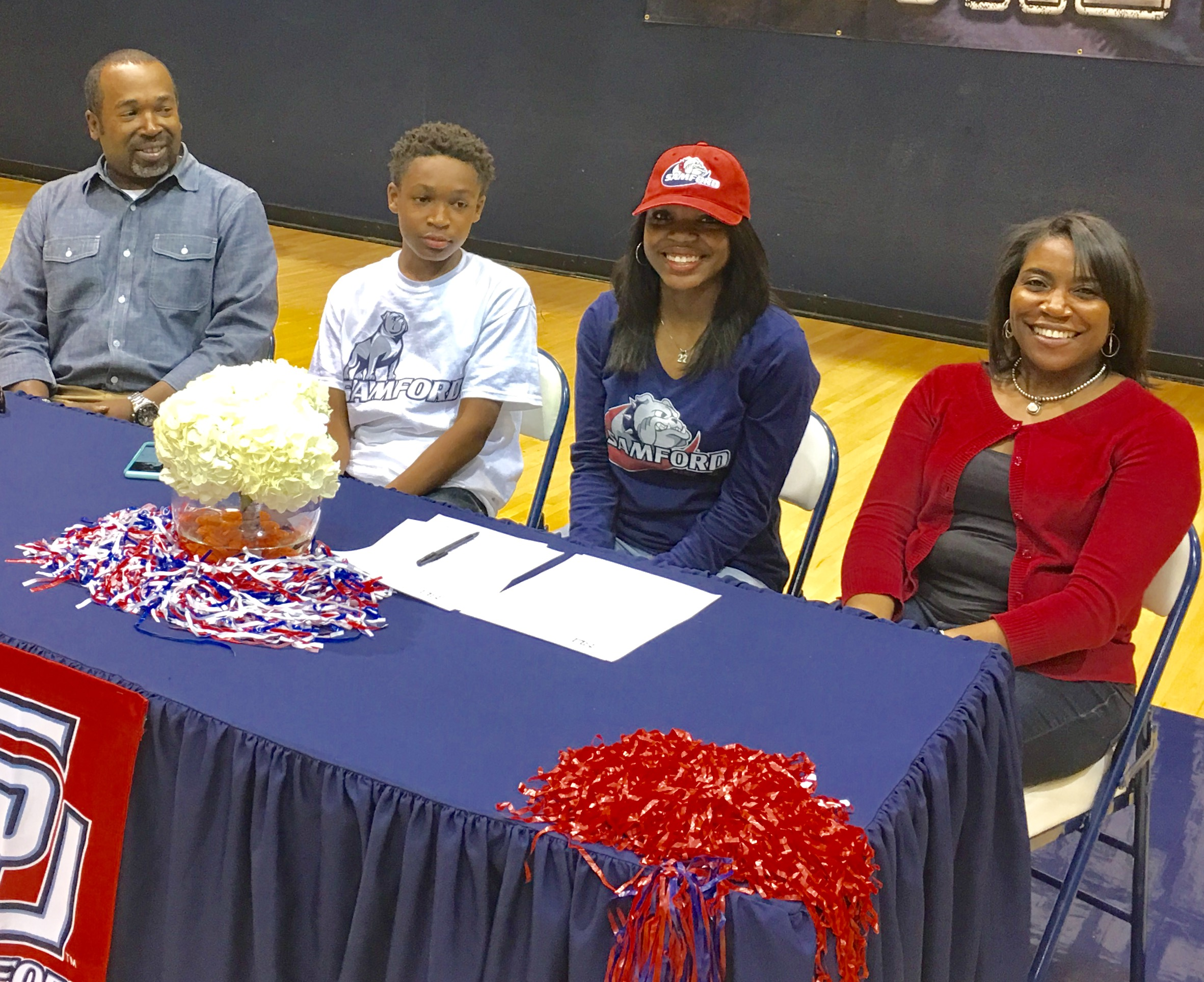 Omar makes it official: She's Samford bound