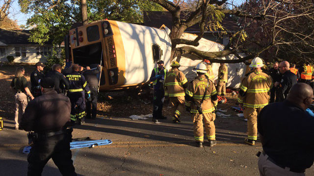 At least 6 dead in Chattanooga school bus crash