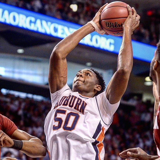 Wiley helps Auburn take down Alabama