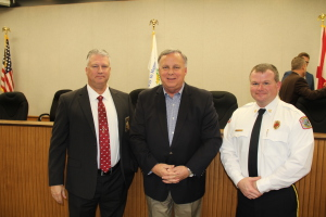 From L-R: Police Chief Jeff Bridges, Mayor Buddy Choat, Fire Chief Tim Shotts Photo by Chris Yow