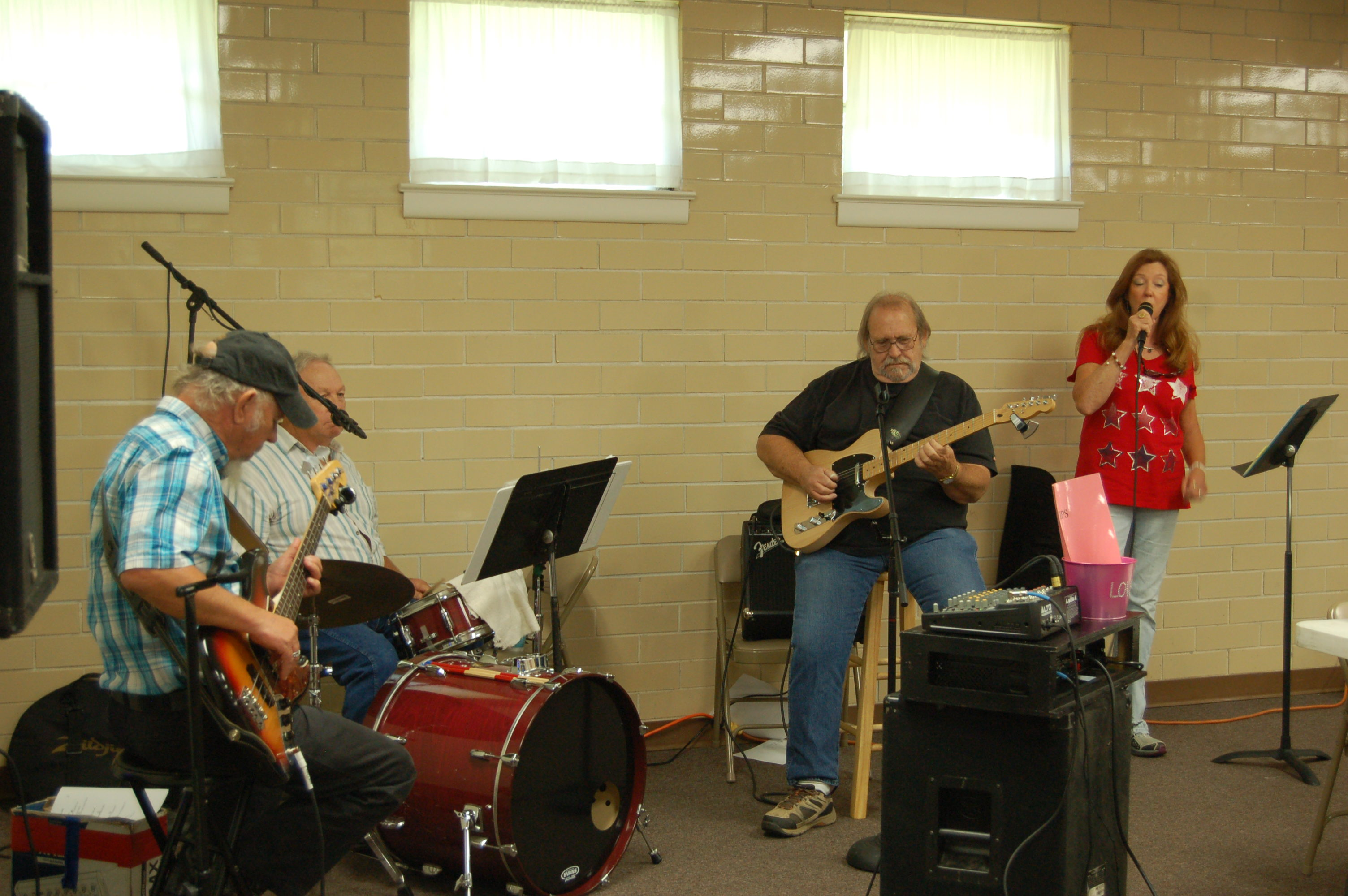 Pinson Community Center's Senior Day Out draws senior country music lovers