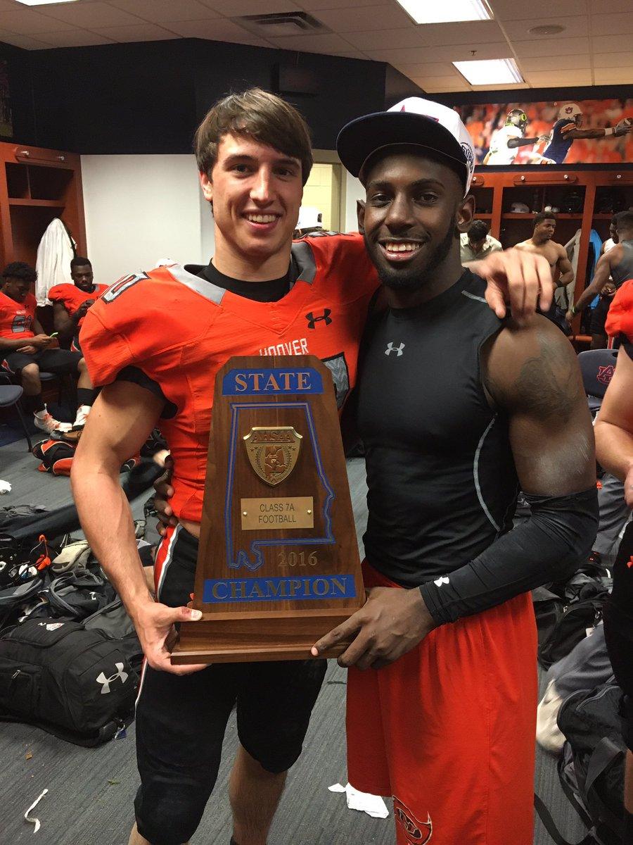 Former Hoover football player suffers serious neck injury during game