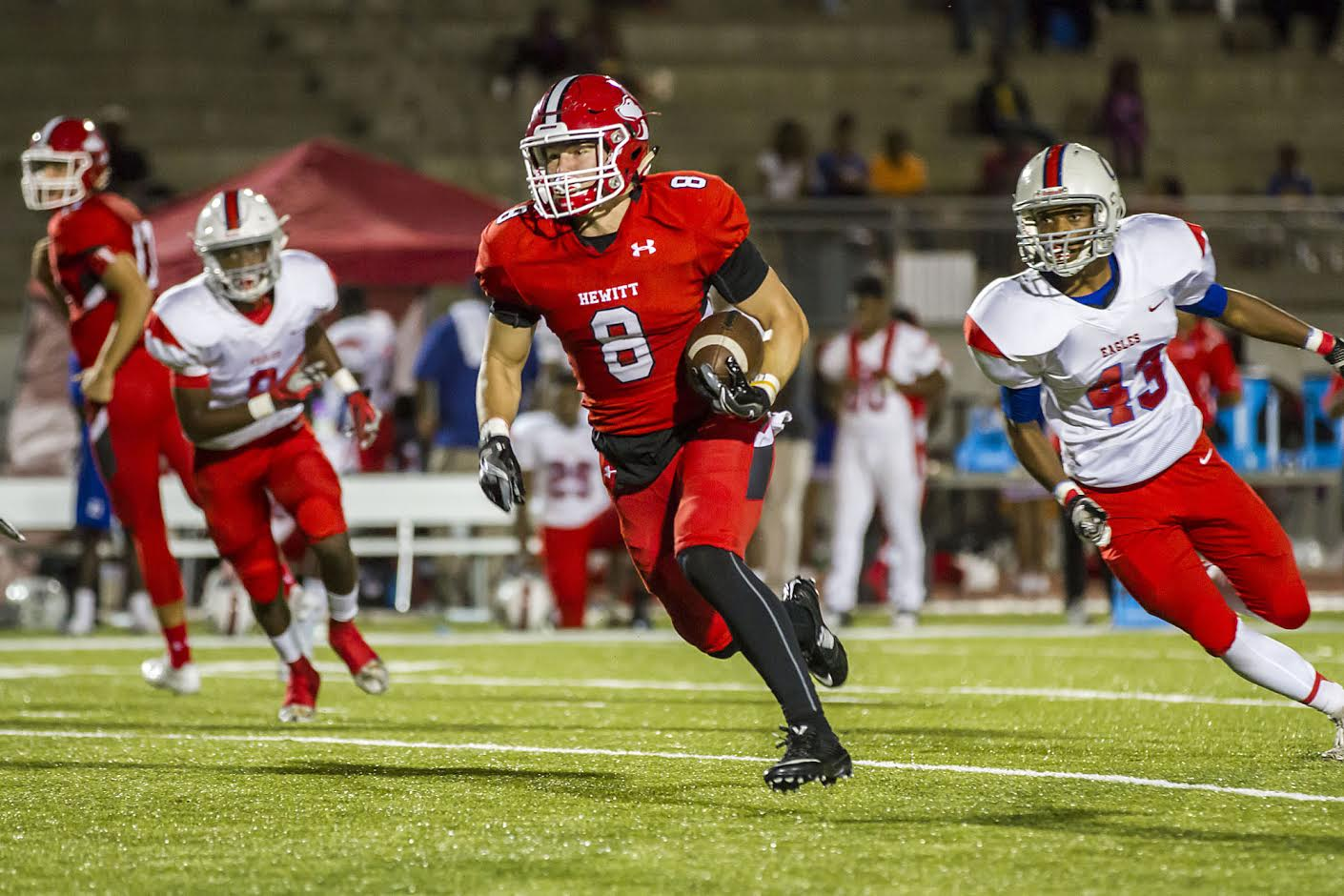 Hewitt-Trussville grounds Center Point 59-0 during Huskies homecoming game
