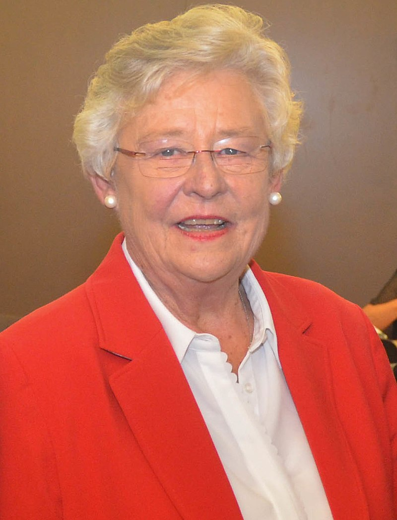 Gov. Ivey and other Alabama officials applaud Bell's plans to build Navy helicopter in Ozark