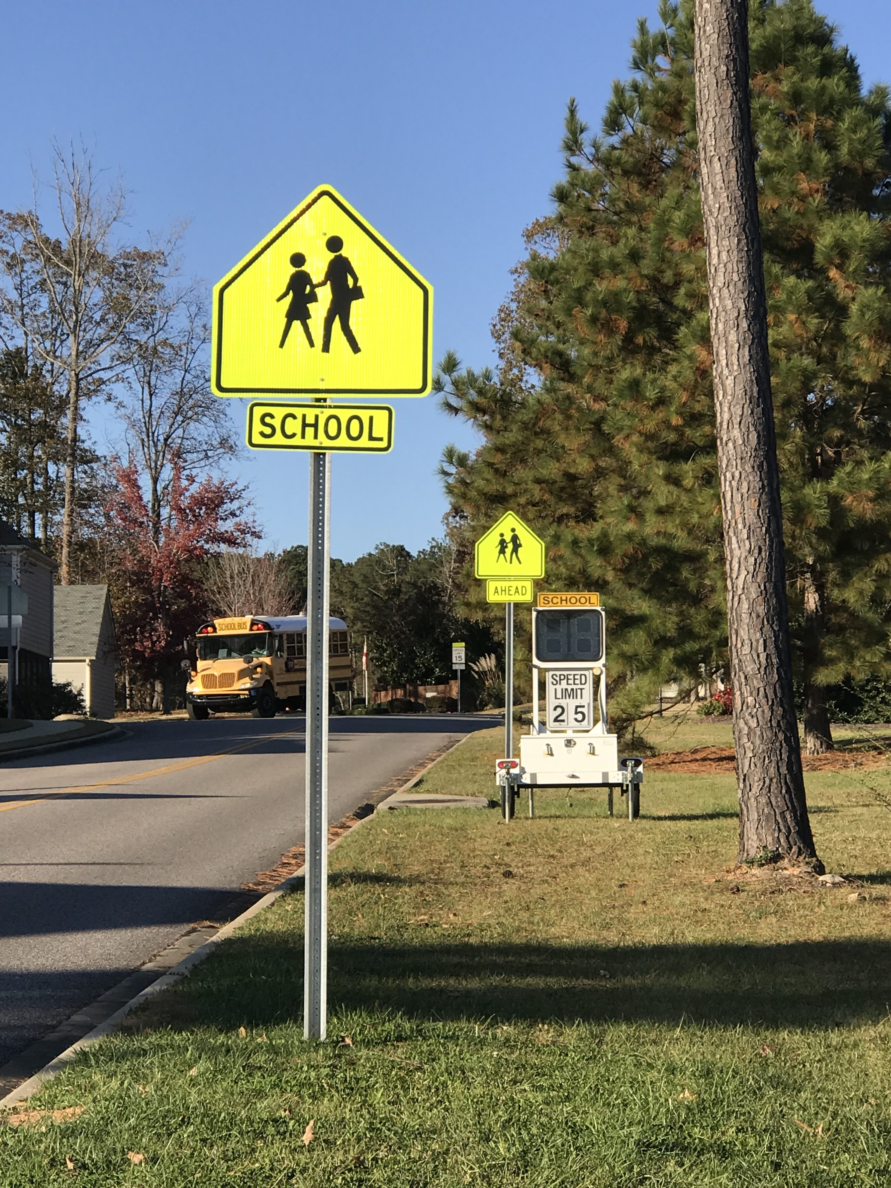 Residents concerned over lack of crosswalk signage near Magnolia Elementary