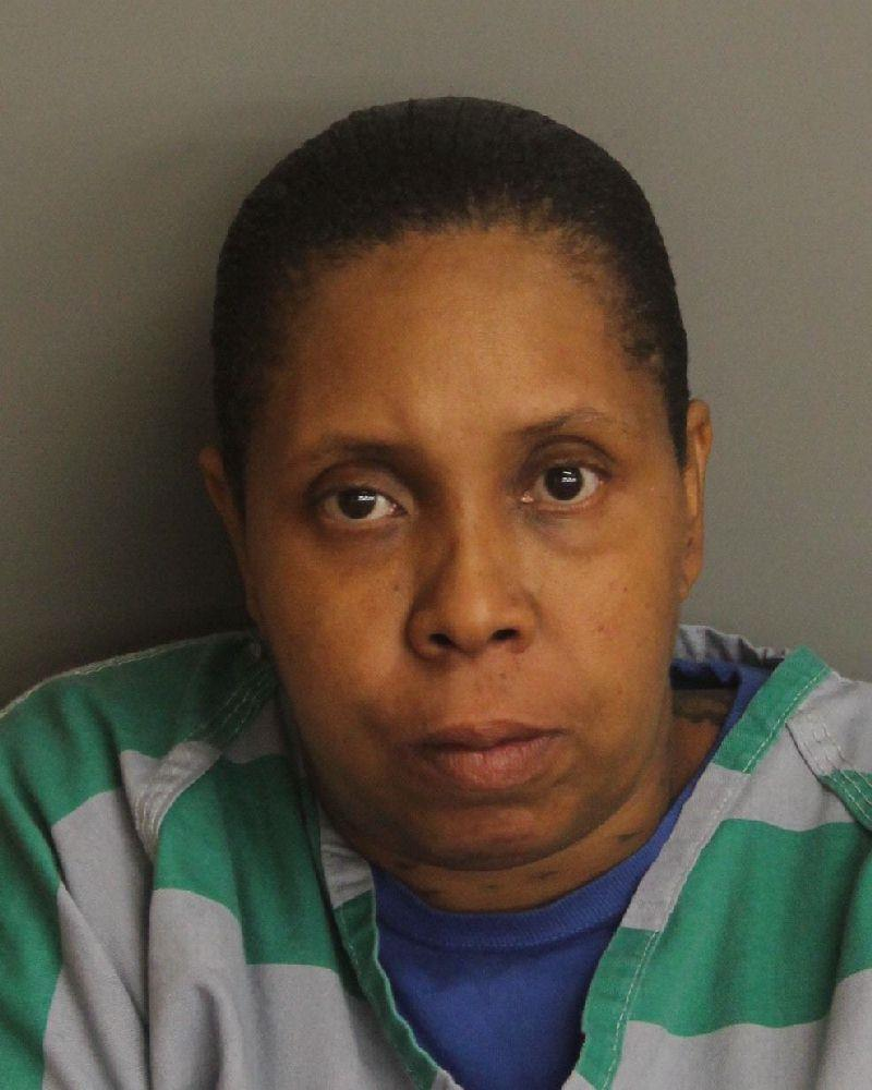 Birmingham woman attempts to renew license with active warrant, flees police