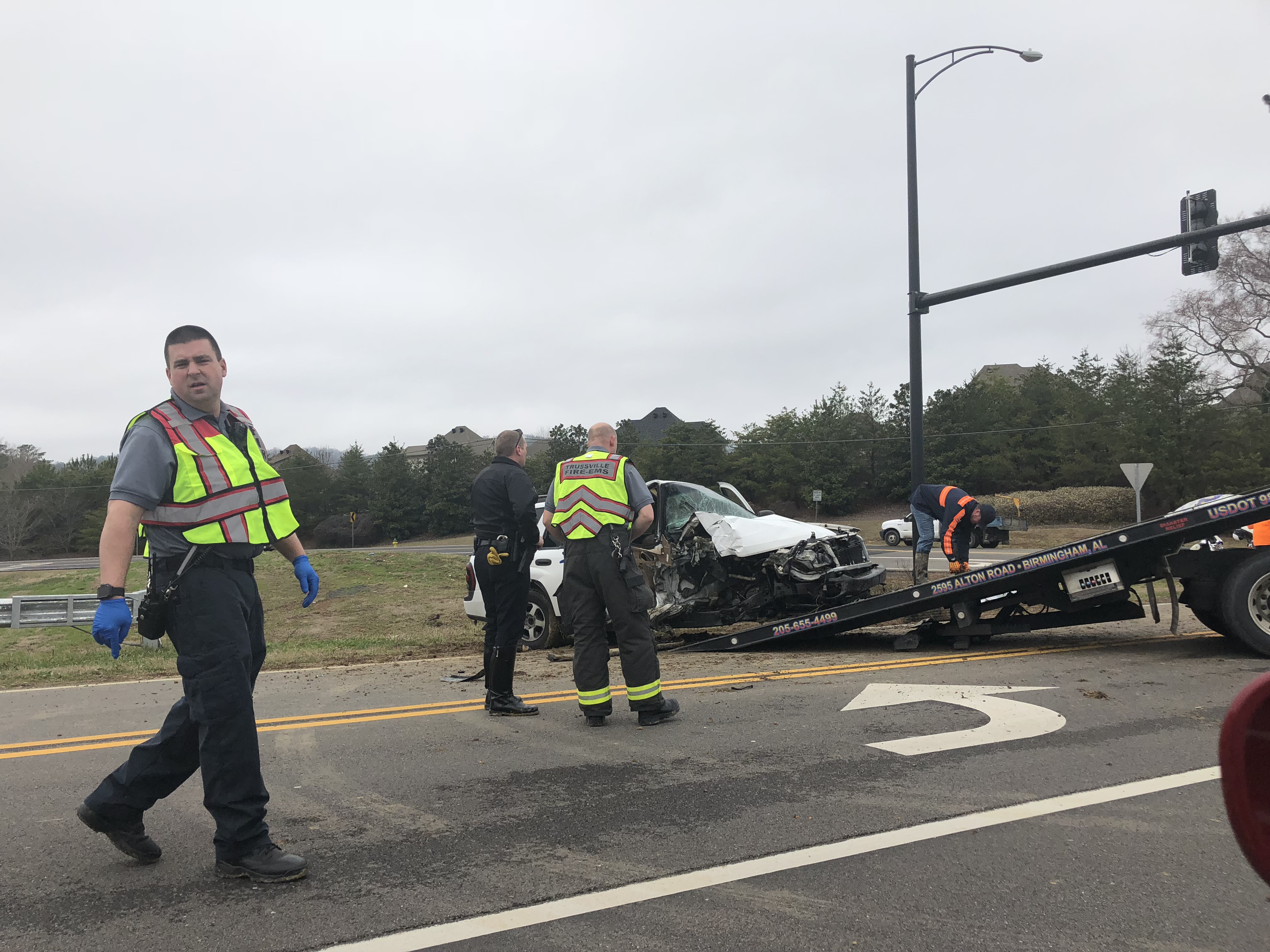 One hospitalized after wreck on Trussville Clay Road
