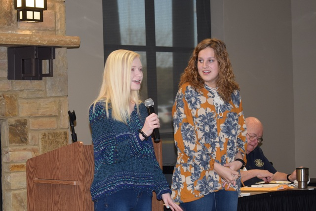 Trussville Daybreak Rotary Club choose two HTHS students for youth leadership award