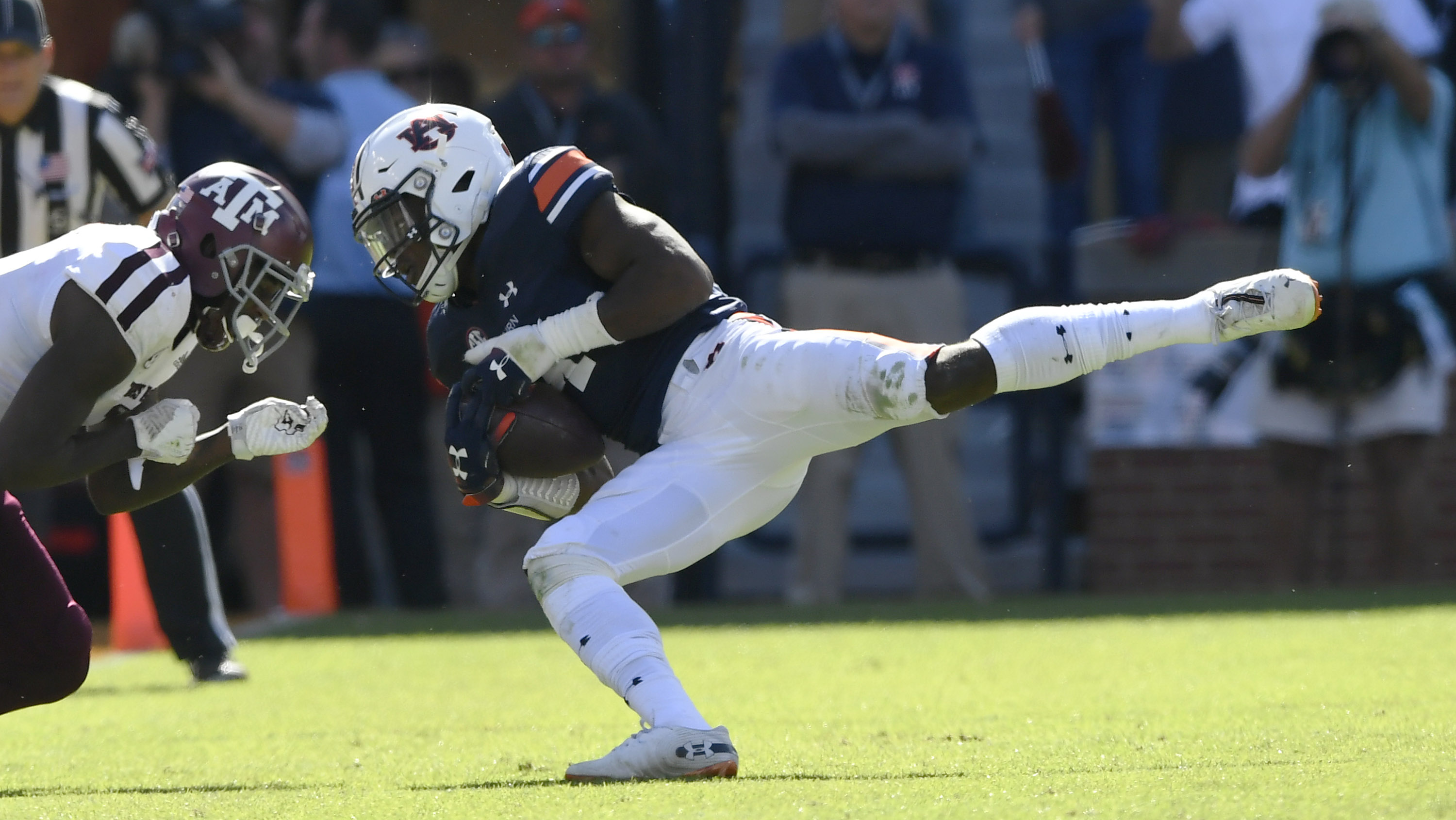 Igbinoghene's interception sparks Auburn win over Texas A&M