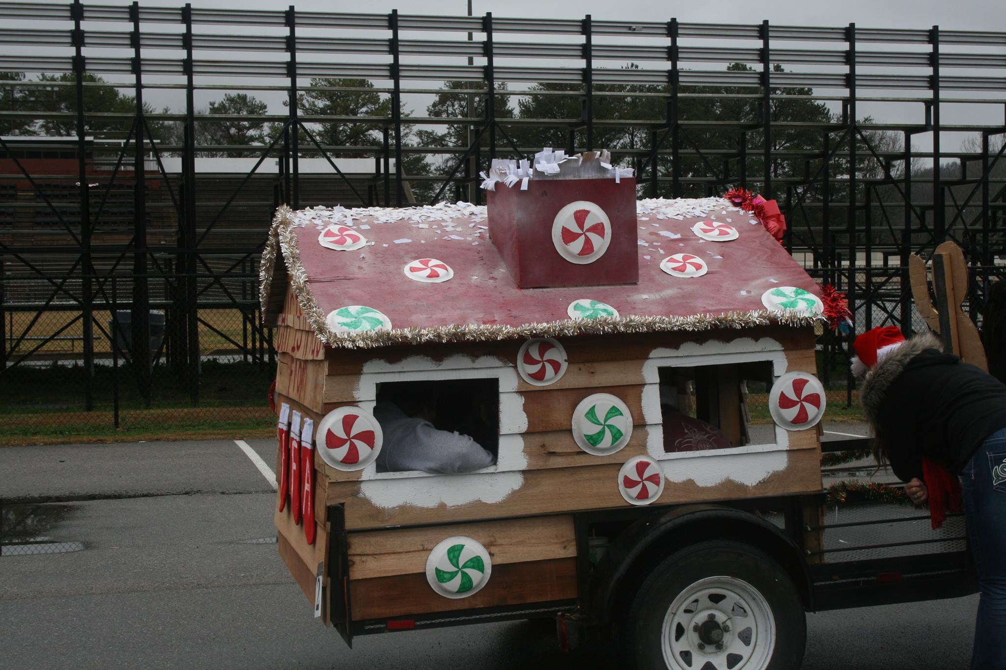 Due to wet weather, Pinson Mayor moves Christmas parade to Sunday