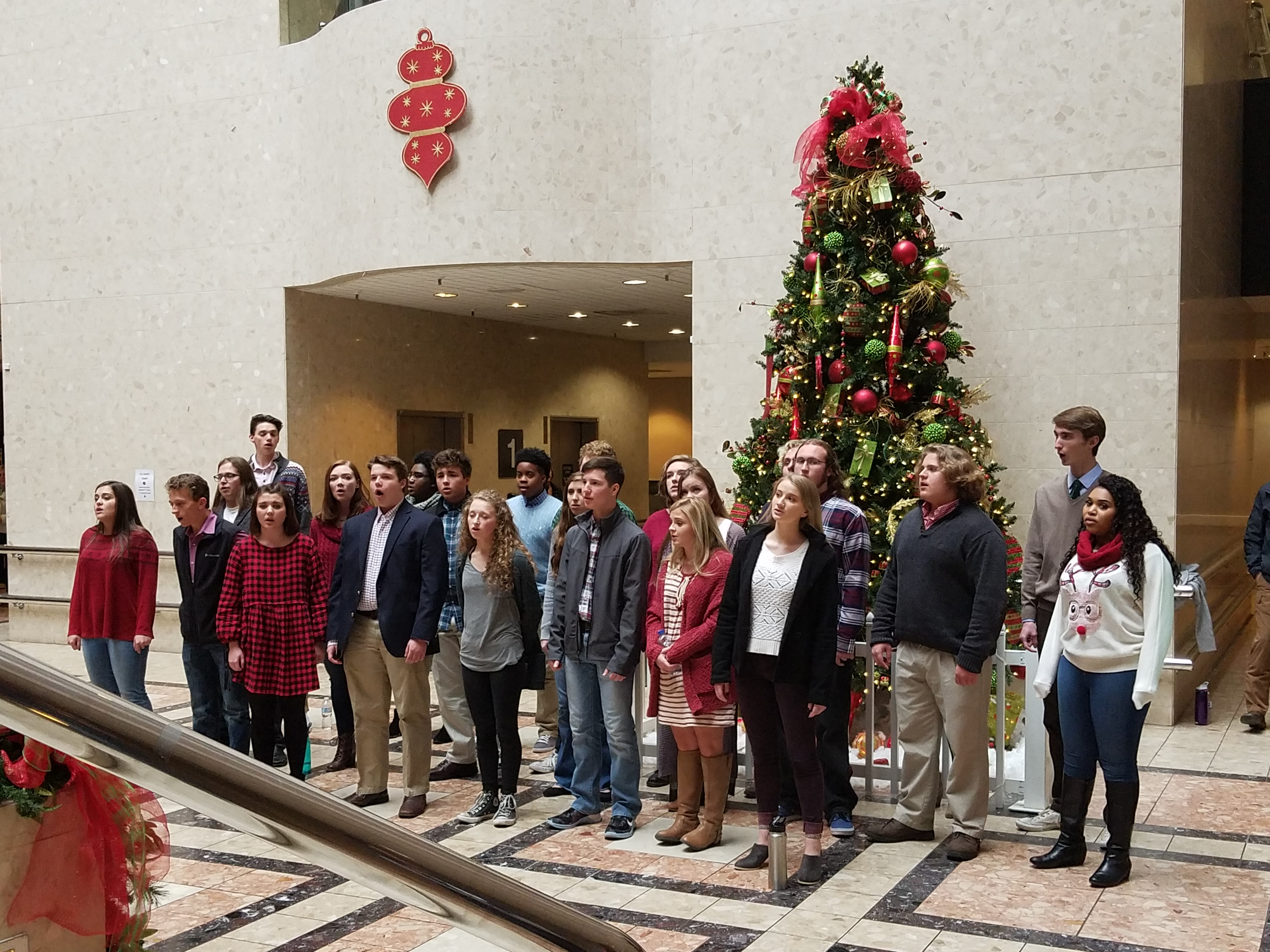HTHS Chamber Choir kicks off the Christmas season with carolling, performances throughout the area