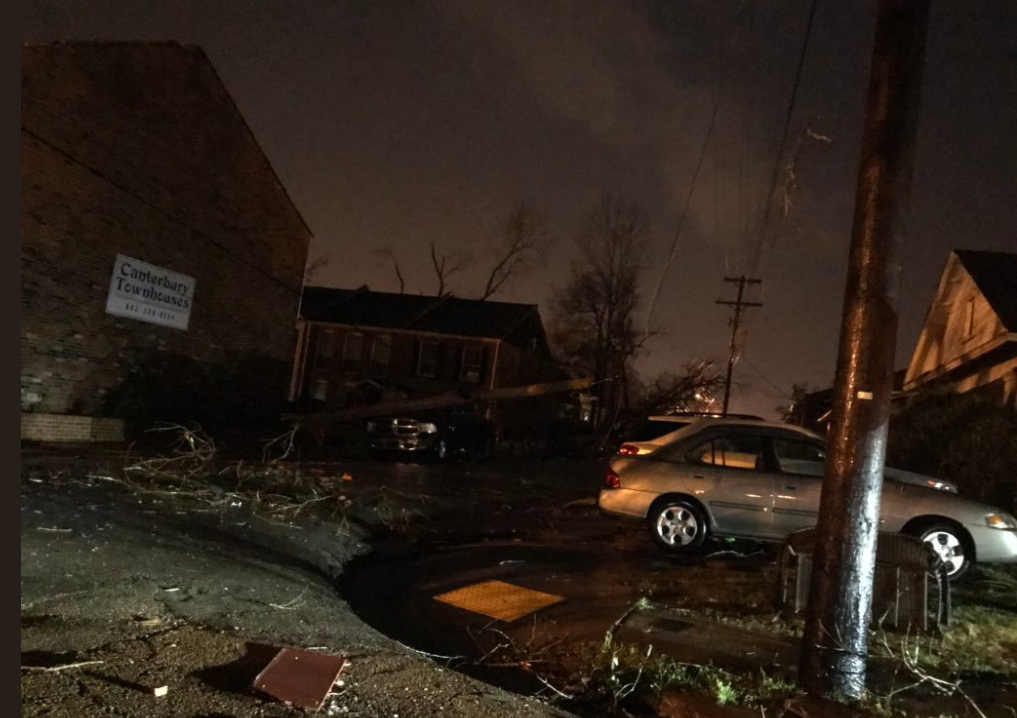 Deaths reported after tornado in Mississippi