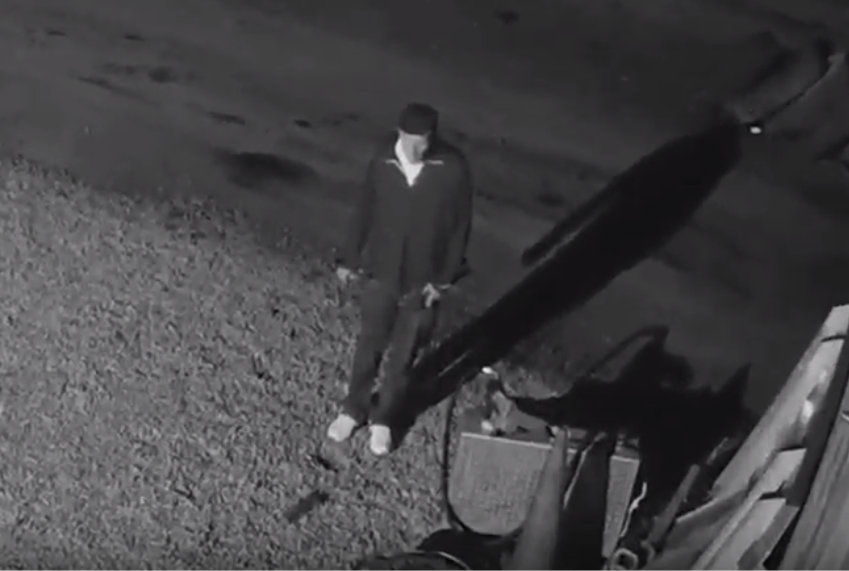 VIDEO: 2 people wanted for stealing $2K worth of wheels, batteries