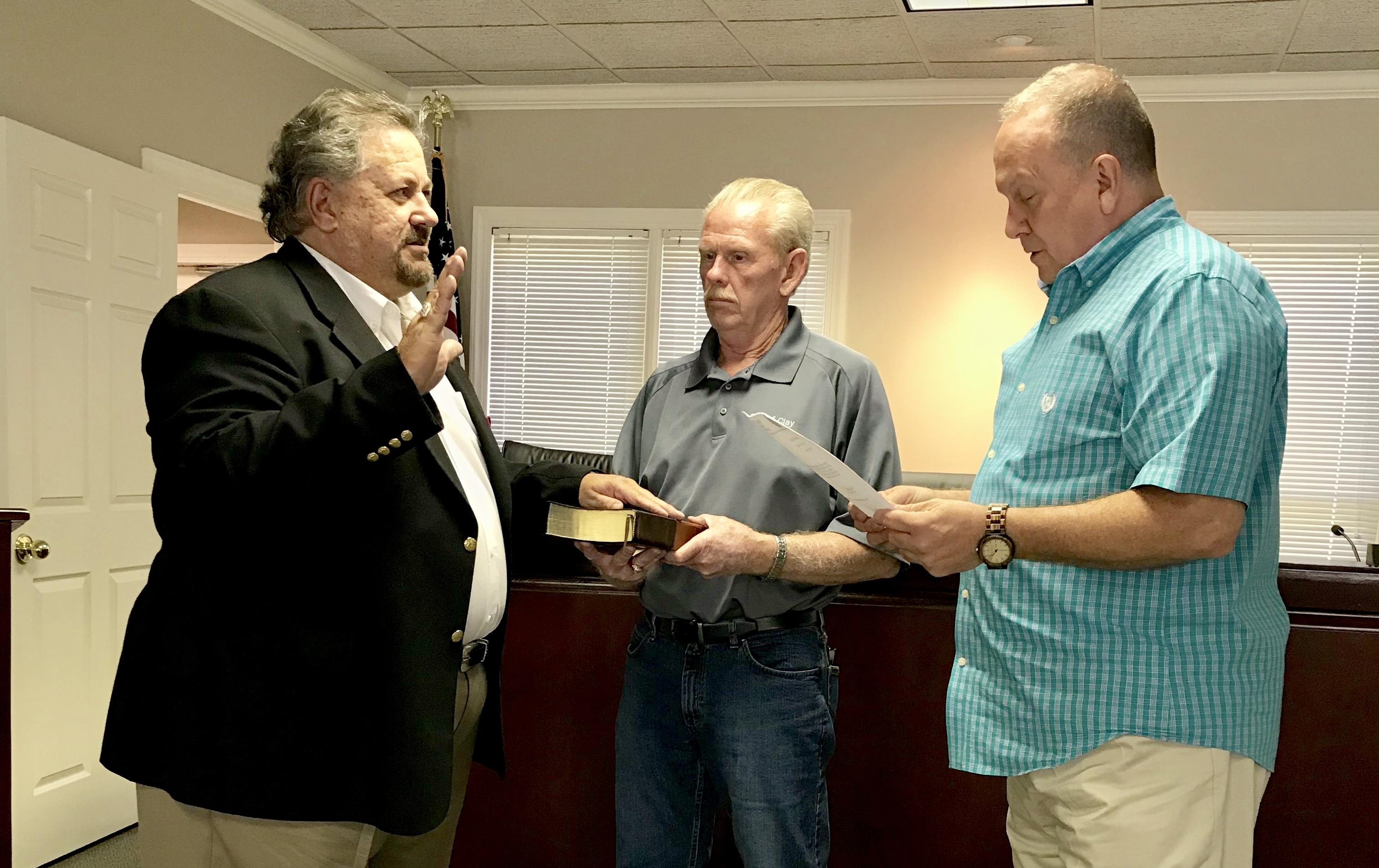 Clay Council swears in new councilor Dean Kirkner