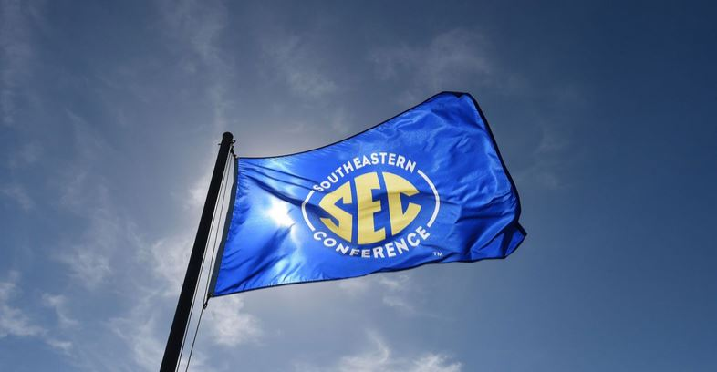 AP Top 25: SEC puts 8 in latest college football poll