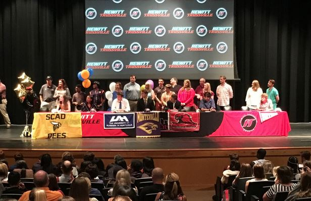 7 Huskies recognized at spring signing event