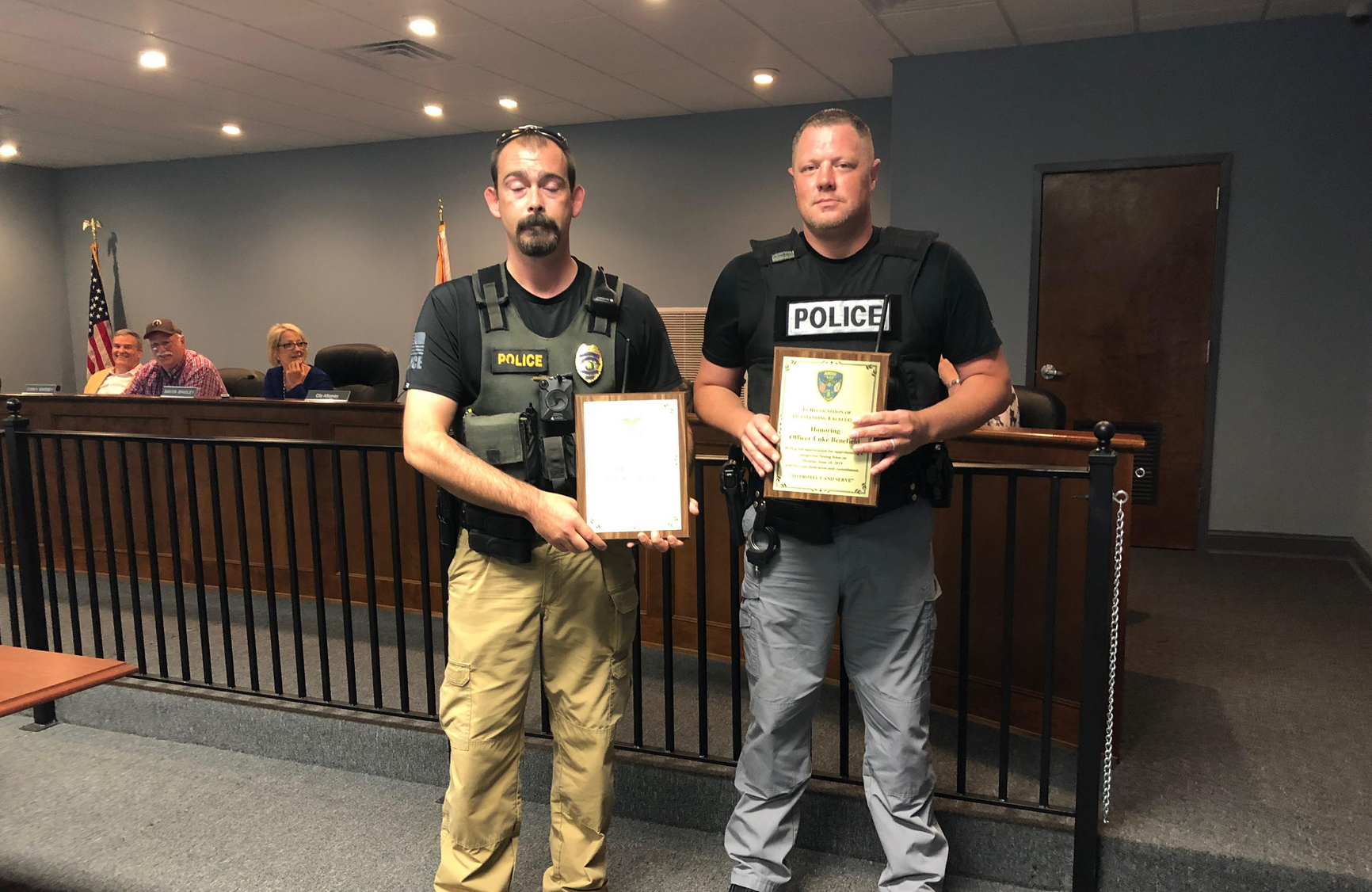 Argo City Council honors two police officers