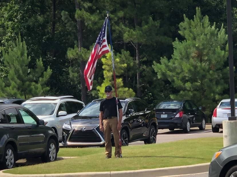 Grayson Valley family thankful for 'flag man' at son's funeral
