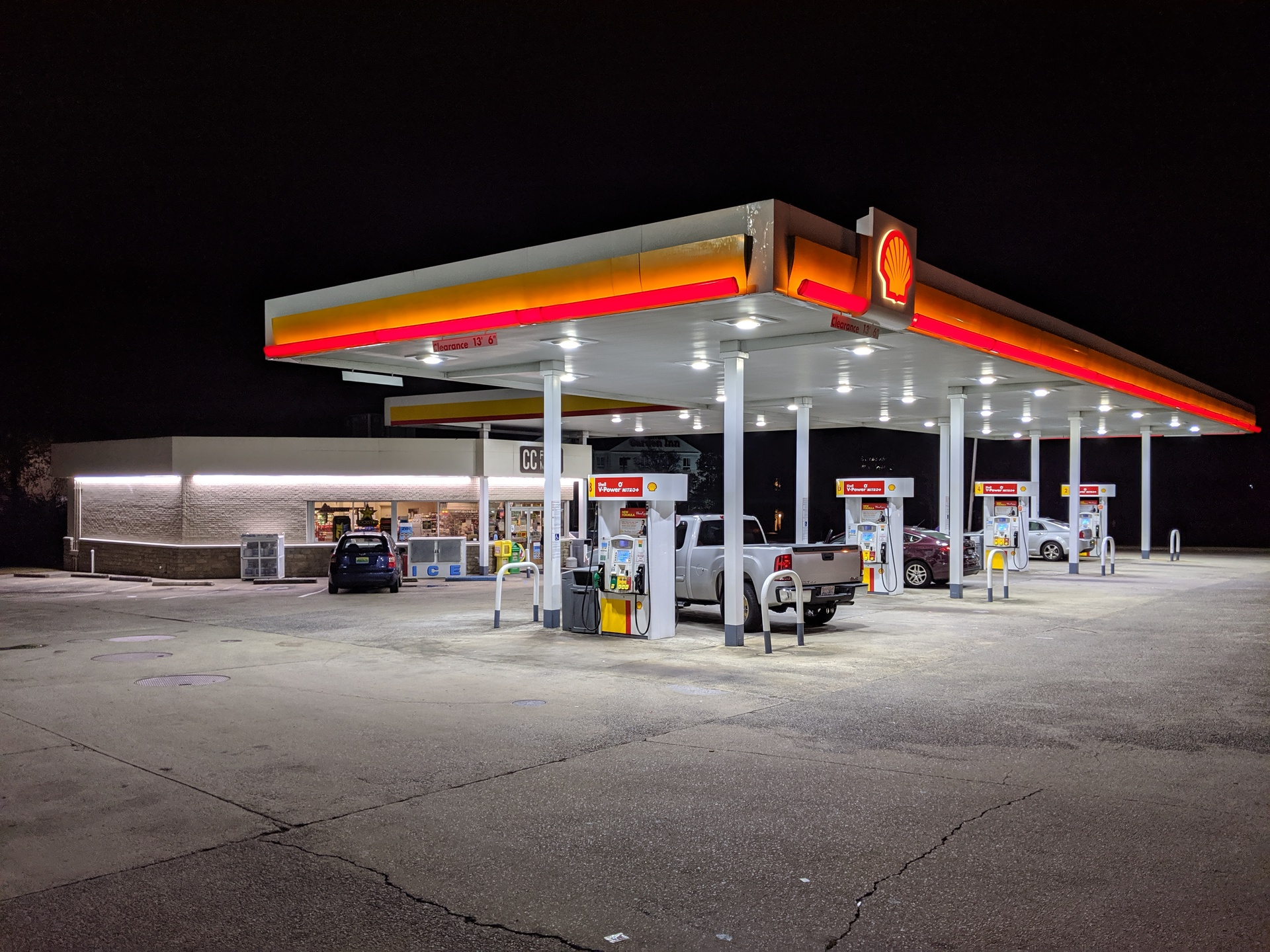 Shooting at Shell on Edwards Lake Road leaves woman wounded