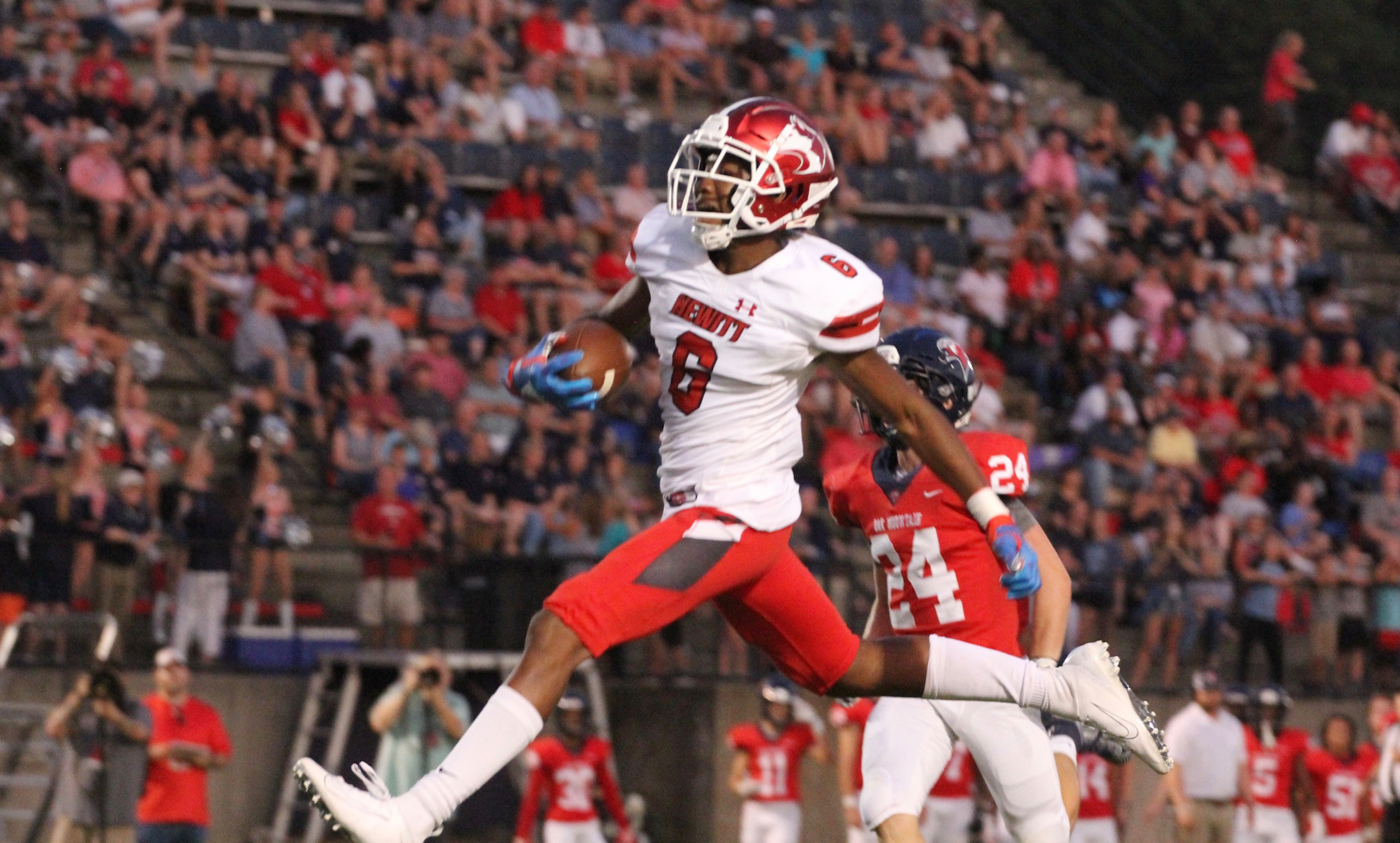 Hewitt-Trussville football to be featured on nationally televised 'Small Town Big Deal'