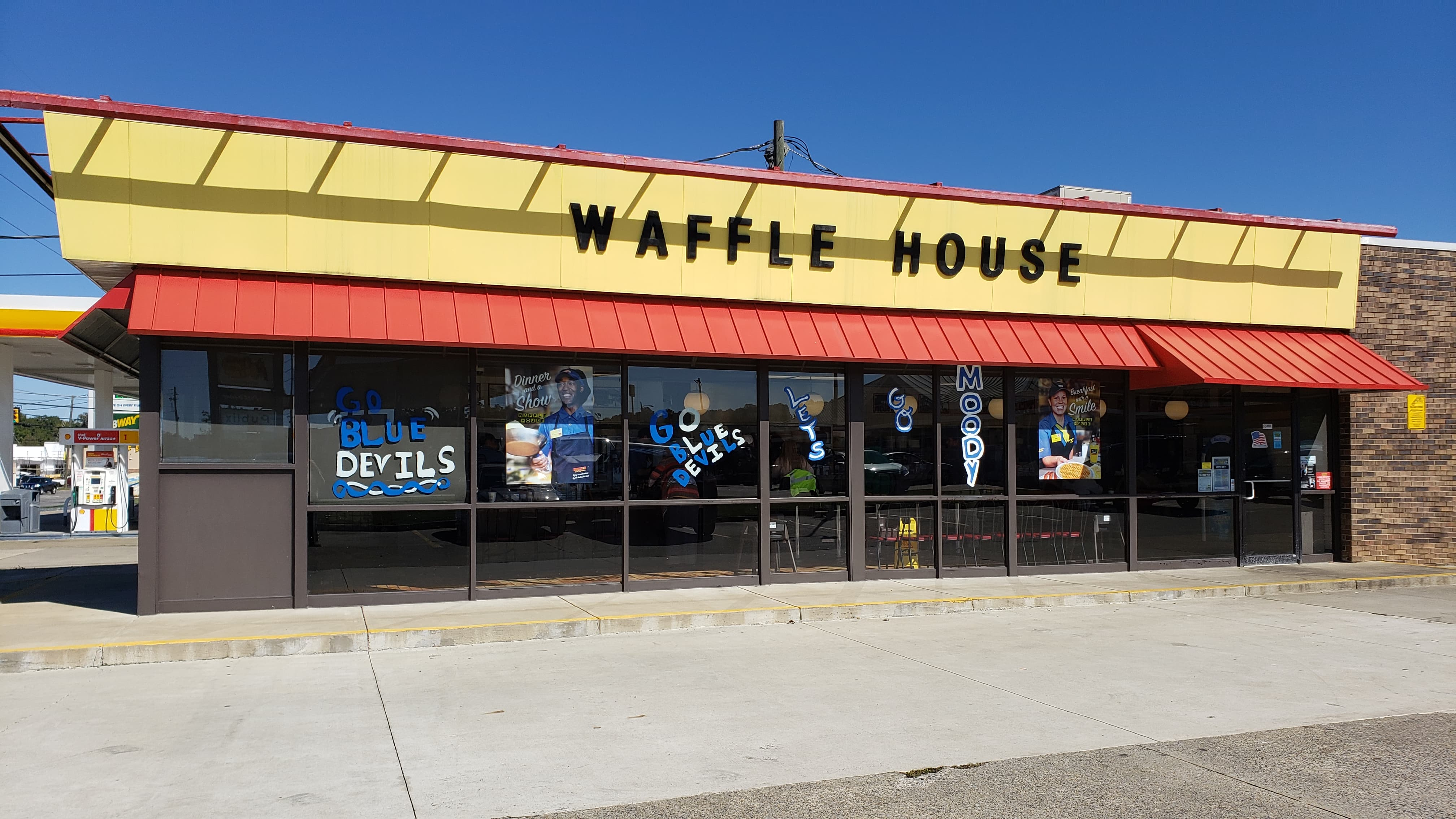 Waffle House in Leeds temporarily closing, Moody Waffle House to stay open