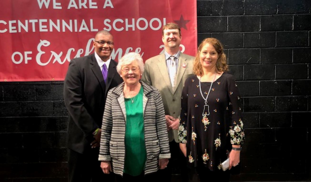 Governor Kay Ivey visits Springville Elementary School