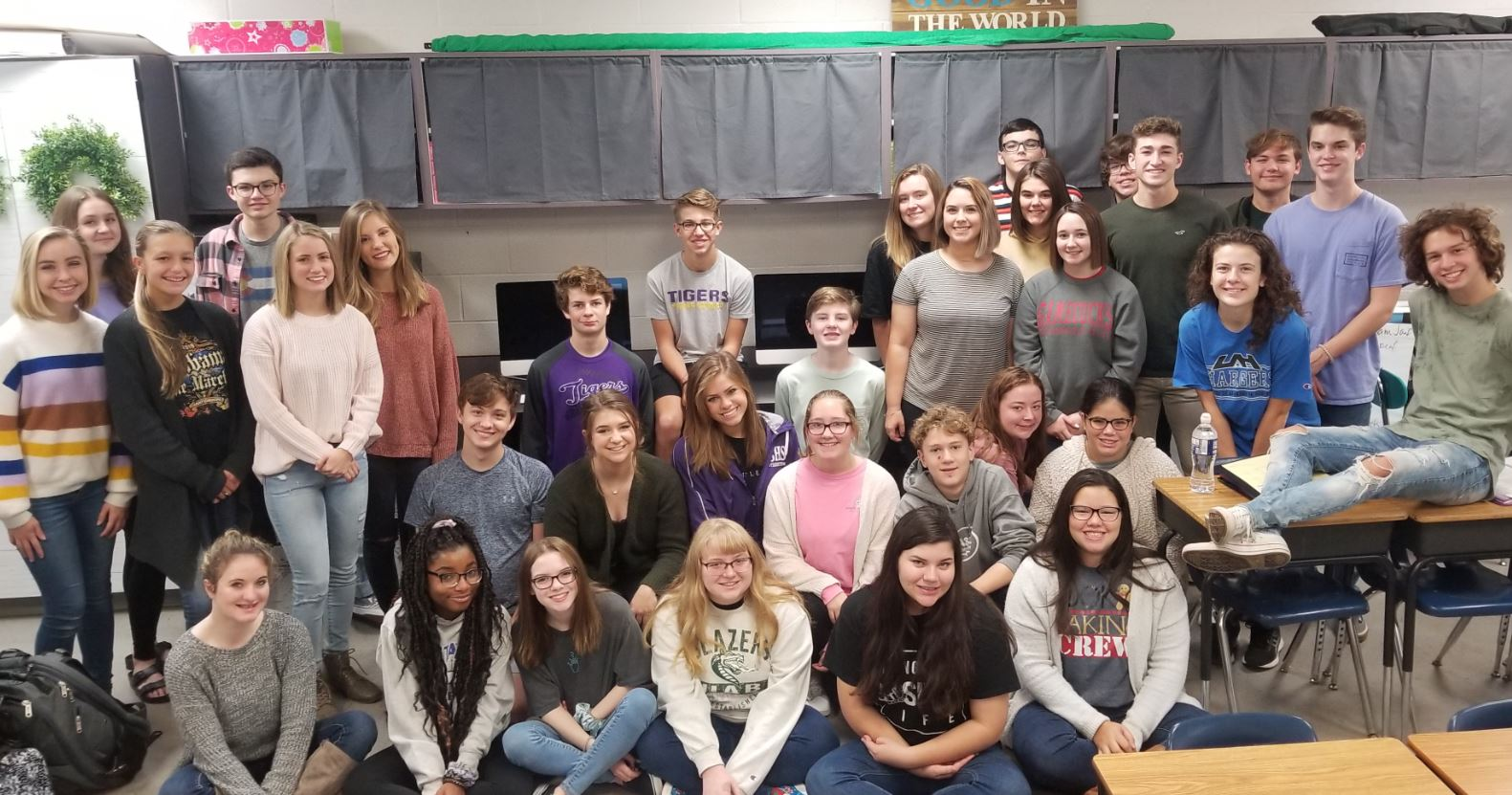 Springville High School Journalism class receives Walmart Community Grant
