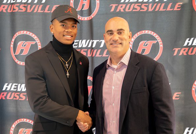 Hewitt-Trussville's Malachi Moore concludes stellar high school career with 2019 USA TODAY All-USA Defensive Team honors