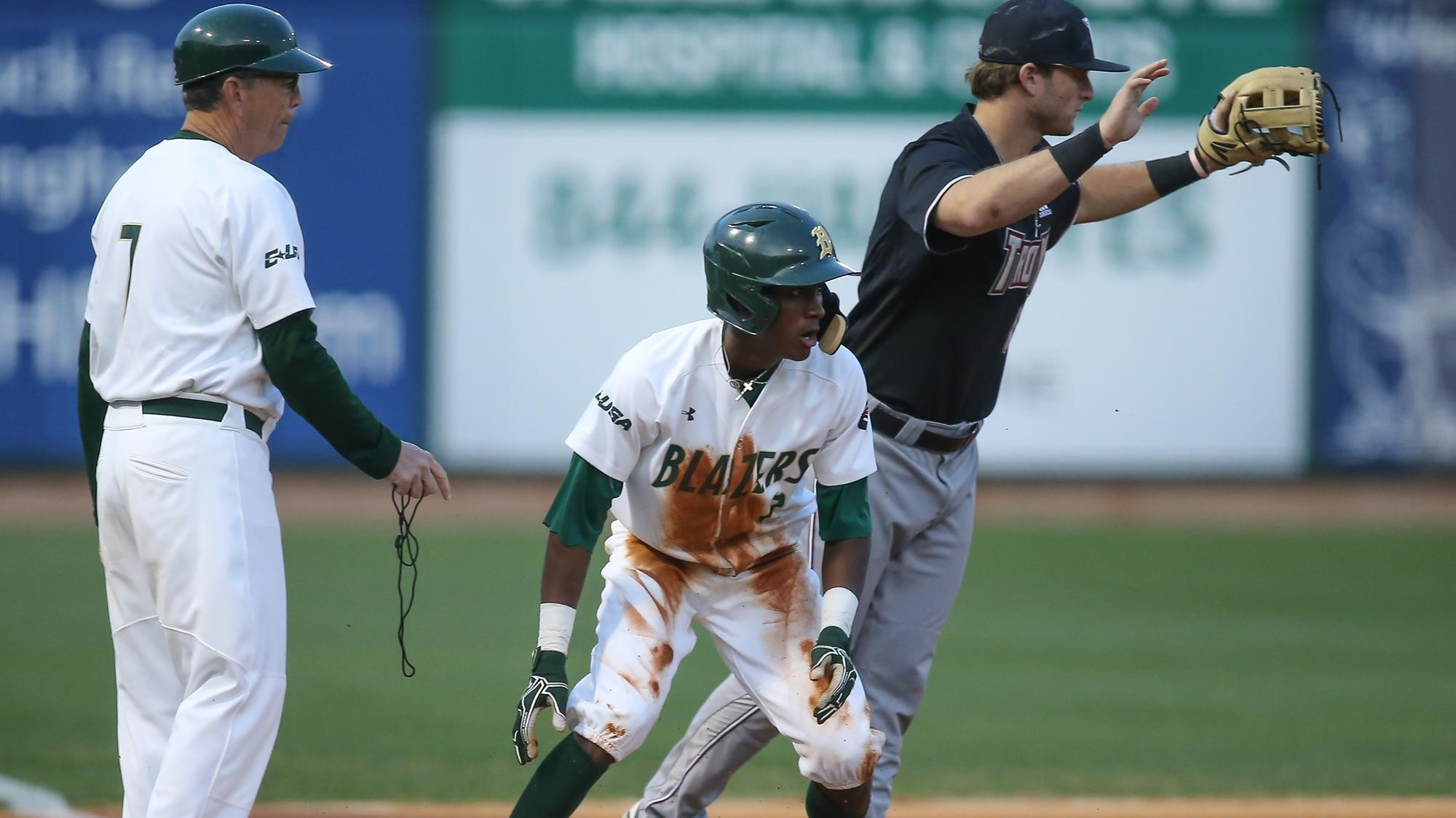Current MLB player, former HTHS star Tyler Tolbert awarded Mr. Blaze at annual UAB Green and Golden Globes