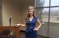 Miss Trussville speaks at Trussville Area Chamber of Commerce Luncheon