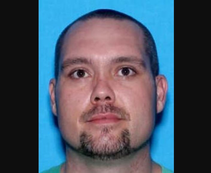 CRIME STOPPERS: U.S. Marshals and U.S. Department of Justice looking for Leeds man on federal felony warrant
