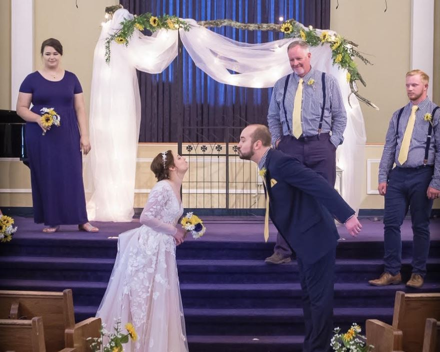 PHOTOS: Couple in Grayson Valley ties the knot while practicing 'social distancing'