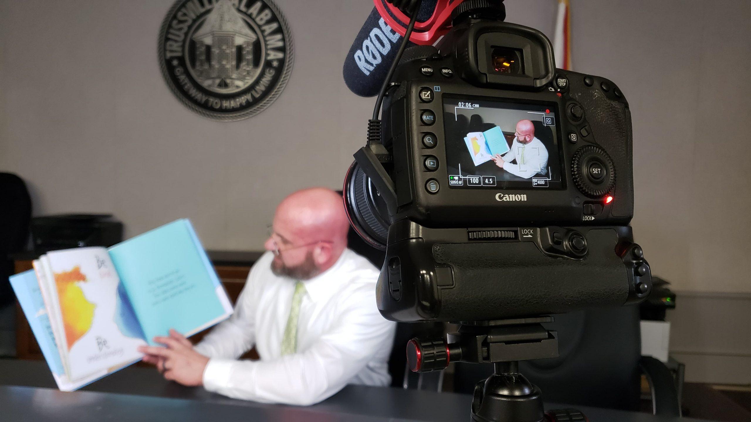 Trussville PD to read to kids online during coronavirus quarantine