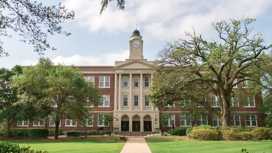 Local students named to Mississippi College's President's List following academic year with 4.0 or better