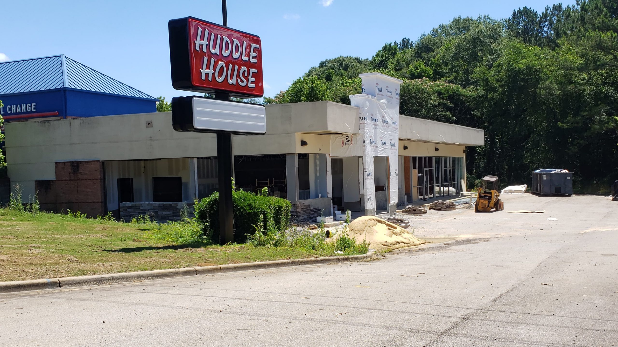 Huddle House construction in Pinson set to resume this month