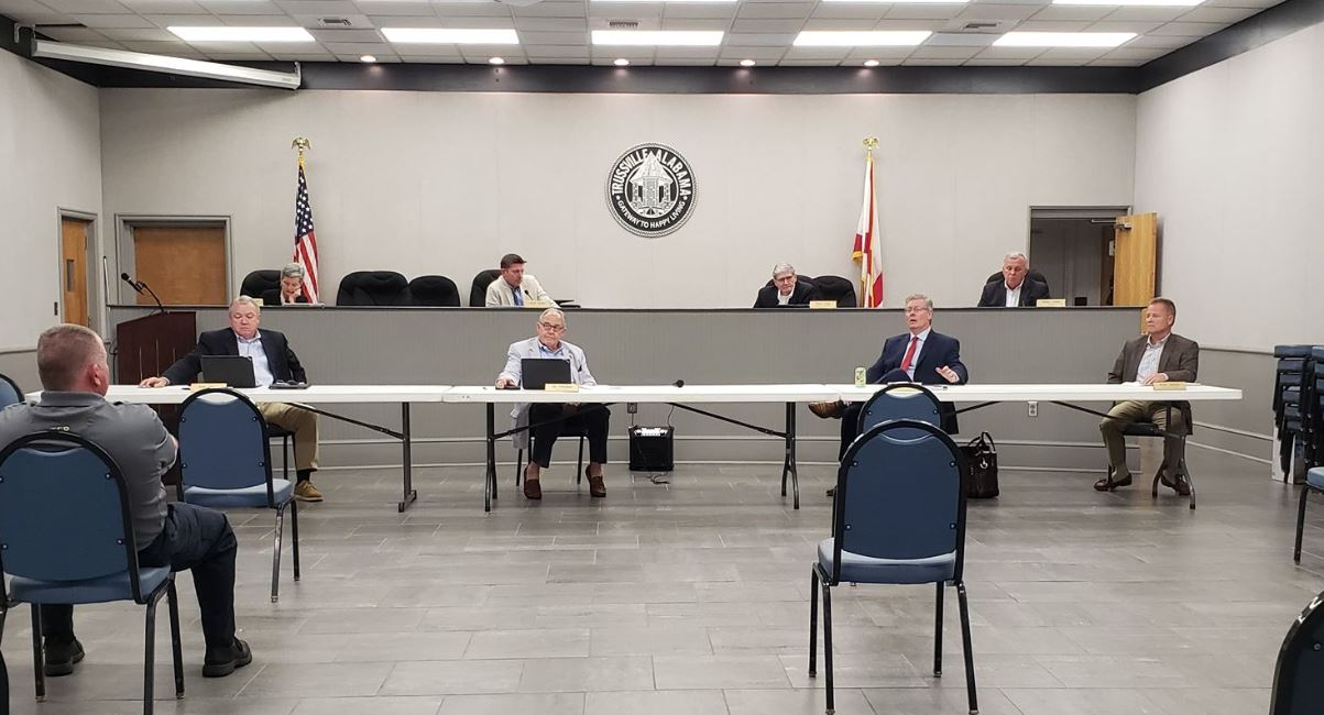 Trussville City Council grants alcohol license to Half Shell Oyster, approves study for Chalkville Road
