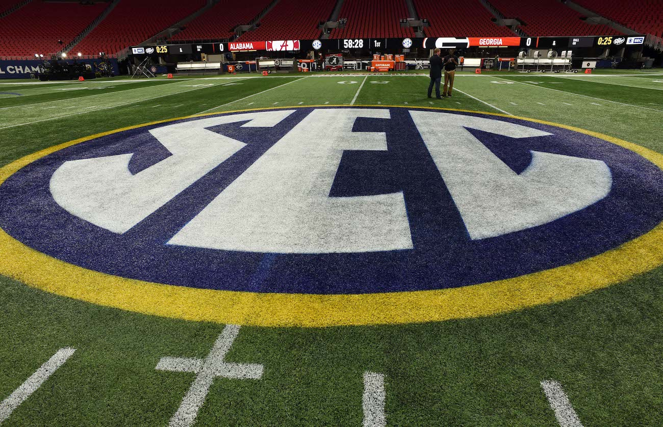 SEC adopts conference-only schedule, moves back start date