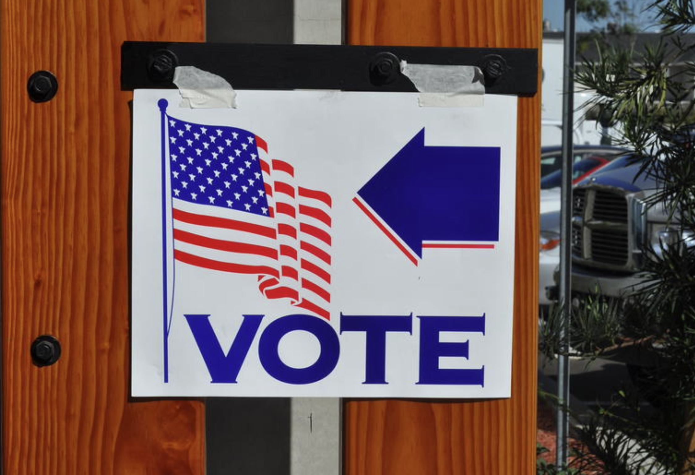 Alabama lawmakers approve ban on curbside voting