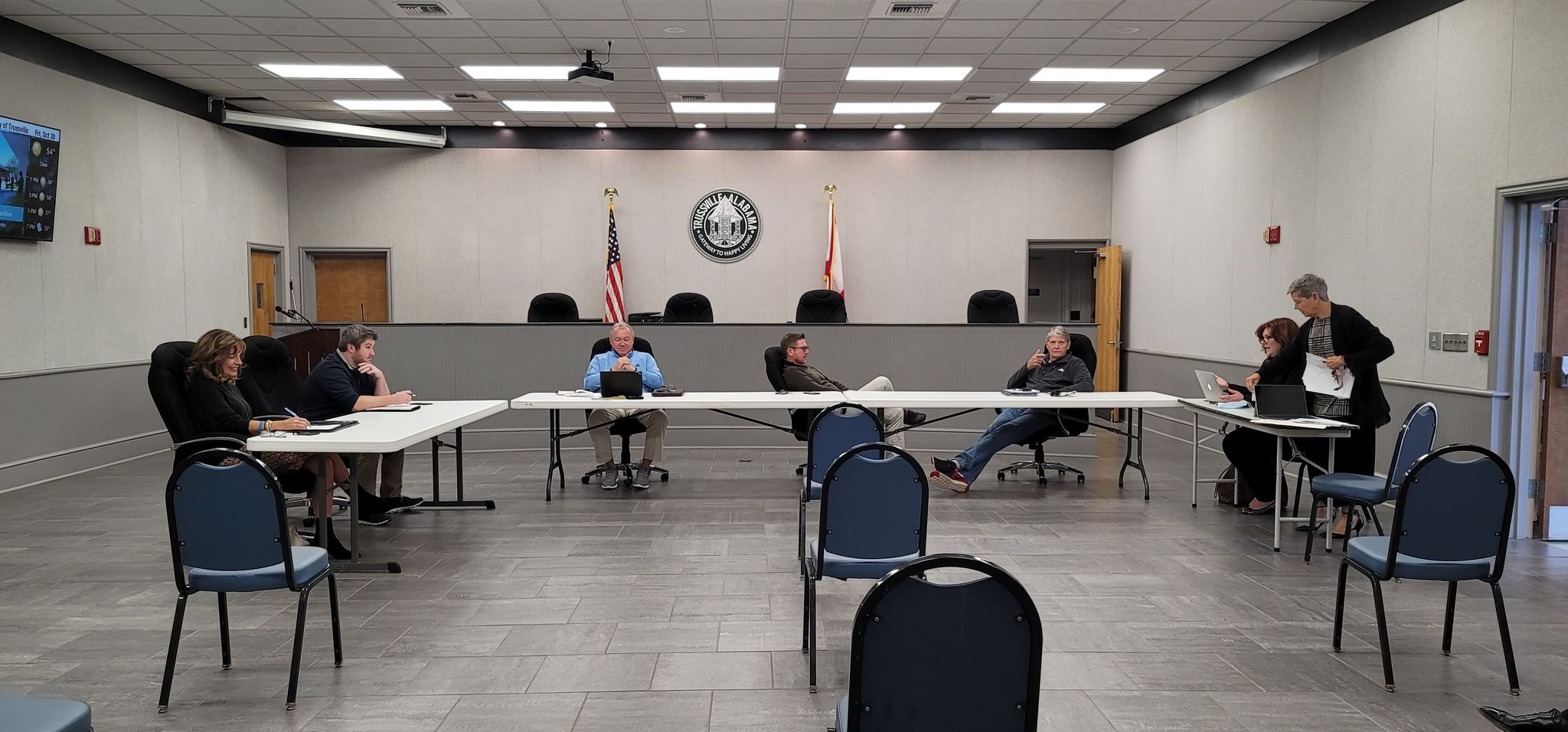 Trussville City Council-Elect meets for workshop, outgoing City Clerk says leaving 'wasn't my plan'