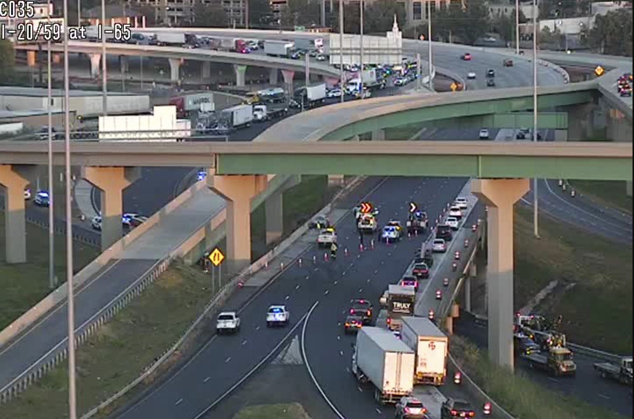 BREAKING: 1 person killed in crash at I-65/I-59 interchange in Birmingham