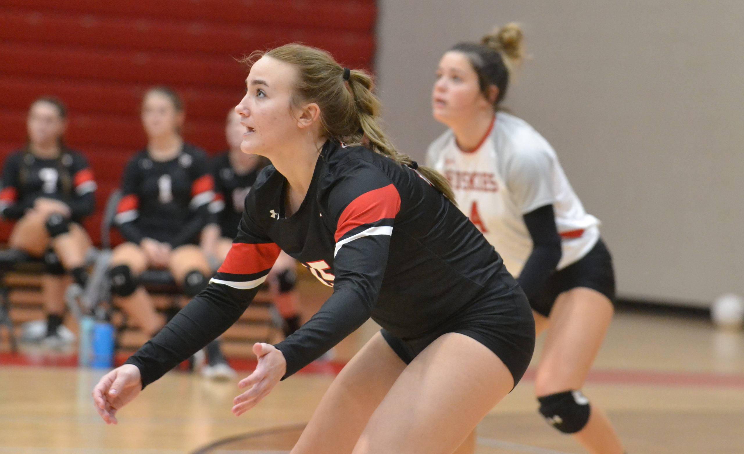 VOLLEYBALL: Hewitt takes Pinson in straight sets